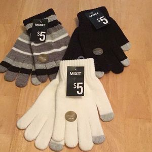 🧿NWT 3  MIXIT STRETCHABLE OS GLOVES